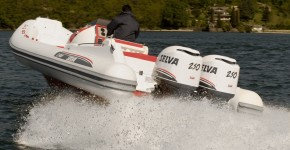 Лодка Сельва Sport Line S.900 со сдвоенным Blue Whale 2 x 250 EFI